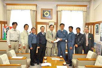 上田県知事に要望(4月28日)